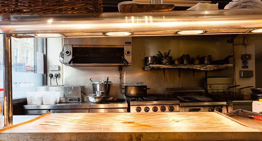 tener en cuenta al limpiar la plancha de cocina industrial Fibraclim
